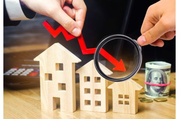 Mortgage Market Softens Even as Delinquencies Decline